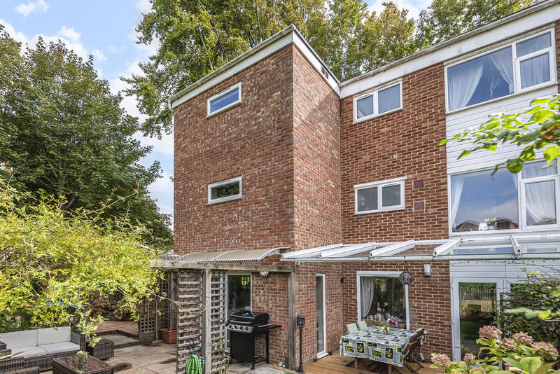 4 Bedrooms Town House for sale in Langton Close, Fulflood, Winchester