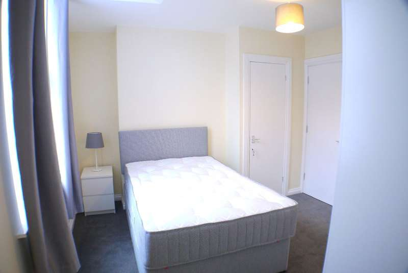 1 Bedroom House Share for rent in Grove Street, Liverpool, L15 8HU