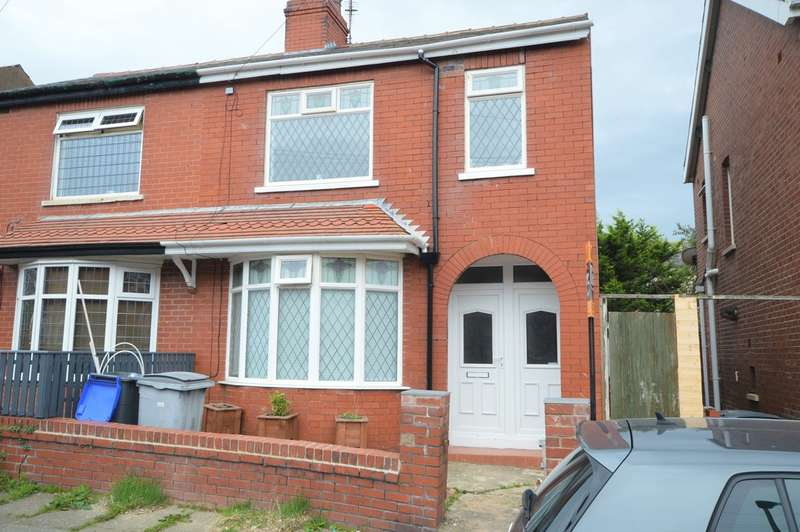 3 Bedrooms Semi Detached House for sale in Sharow Grove, Blackpool, FY1