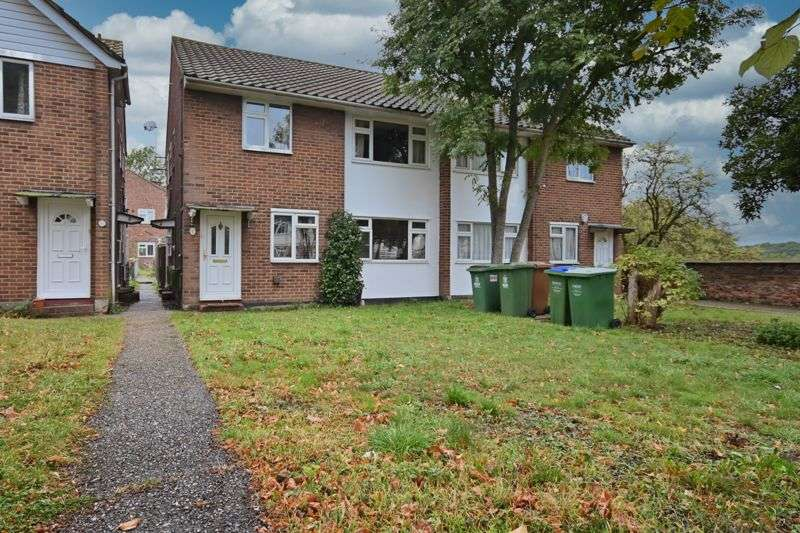 2 Bedrooms Property for sale in Bramley Court, Wickham Street, Welling