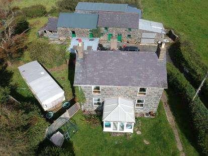 3 Bedrooms Detached House for sale in Y Ffor, Pwllheli, Gwynedd, LL53