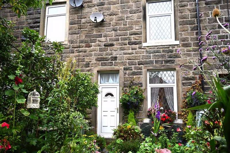2 Bedrooms Terraced House for sale in Essie Terrace, Barnoldswick, Lancashire, BB18
