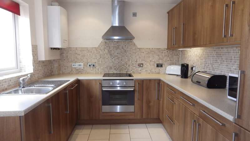 3 Bedrooms Terraced House for rent in North Home Road