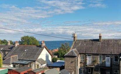2 Bedrooms Flat for sale in Main Road, East Wemyss