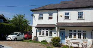 4 Bedrooms Semi Detached House for sale in Clontievey Cottages, Grove Road, Tatsfield, Westerham