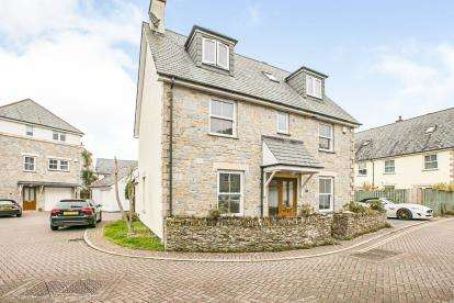 5 Bedrooms Detached House for sale in Hayle, Cornwall