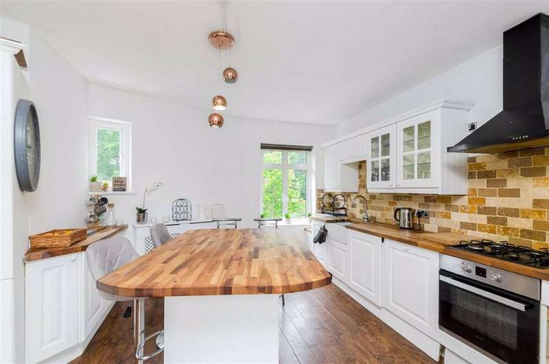 2 Bedrooms Flat for sale in Pettswood Road, Pettswood