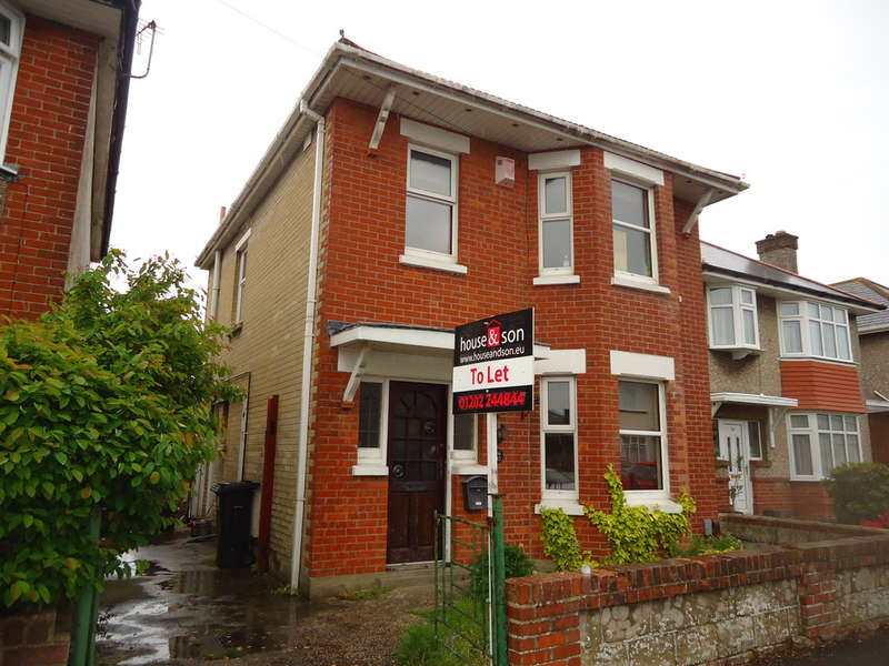 4 Bedrooms Detached House for rent in Beswick Avenue, Ensbury Park, Bournemouth