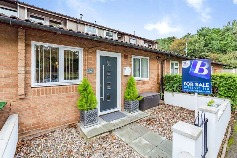 3 Bedrooms Terraced House for sale in Malyons Green, Basildon, SS13