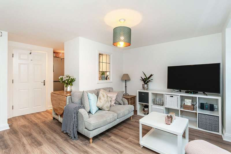 1 Bedroom Apartment Flat for sale in Dougall Close, Tunbridge Wells, Kent, TN2