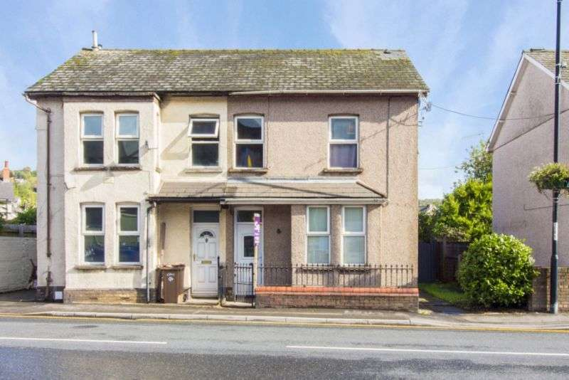 3 Bedrooms Property for sale in Commercial Street Risca, Newport