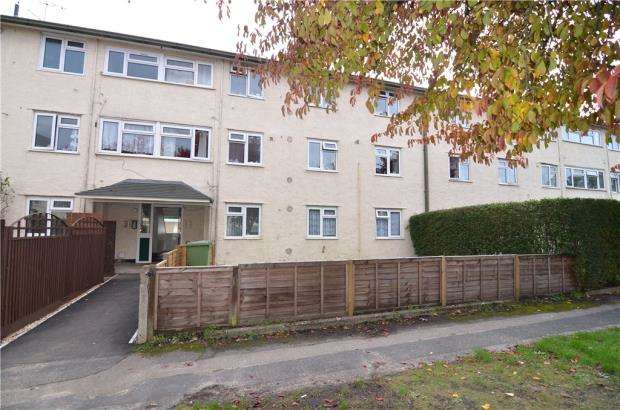 3 Bedrooms Apartment Flat for sale in Perring Avenue, Farnborough