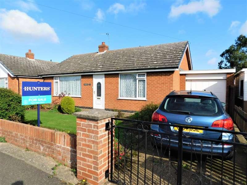 4 Bedrooms Bungalow for sale in Lansdowne Drive, Sutton-on-Sea, Lincs., LN12