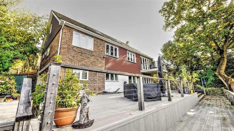 6 Bedrooms Detached House for sale in Tilmore Gardens, Petersfield