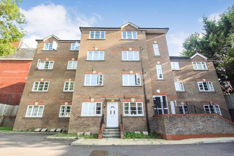 1 Bedroom Property for sale in Grove Road, Luton