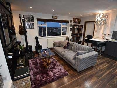 1 Bedroom Flat for sale in Cambridge Road, Puckeridge, Ware