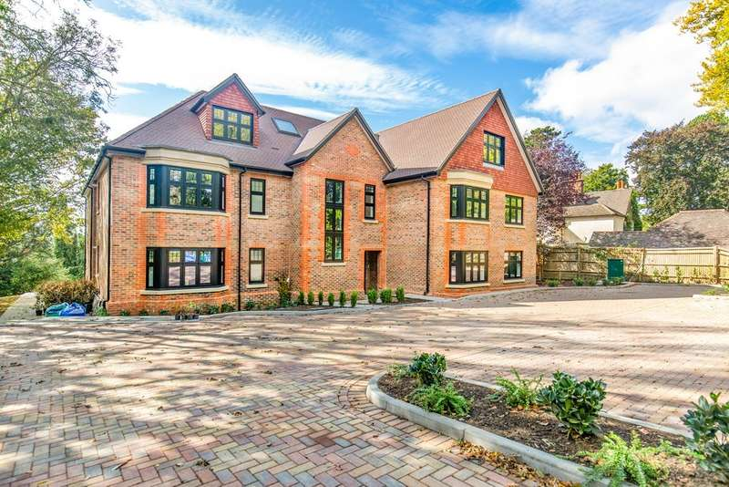 2 Bedrooms Flat for sale in Landscape Road, Warlingham