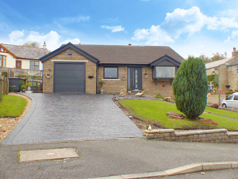3 Bedrooms Detached Bungalow for sale in Green Meadow, Trawden