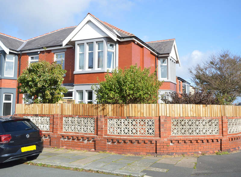 3 Bedrooms Semi Detached House for sale in Winchester Avenue, South Shore