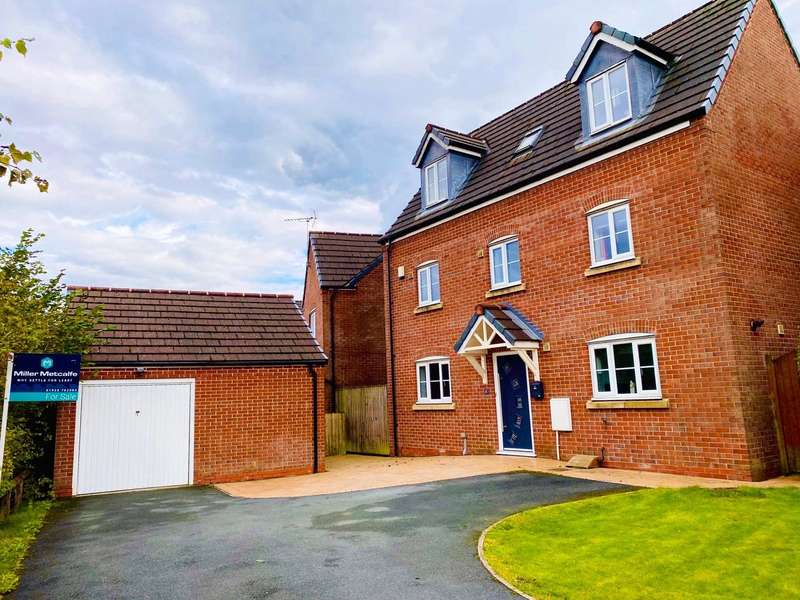 5 Bedrooms Detached House for sale in Manningford Court, Ince, Wigan, Greater Manchester, WN3