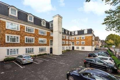 2 Bedrooms Flat for sale in Brompton Court, Tweedy Road, Bromley