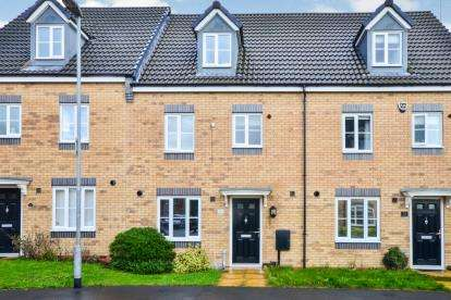 4 Bedrooms Terraced House for sale in Lower Meadow Lane, Huthwaite, Nottinghamshire, Notts