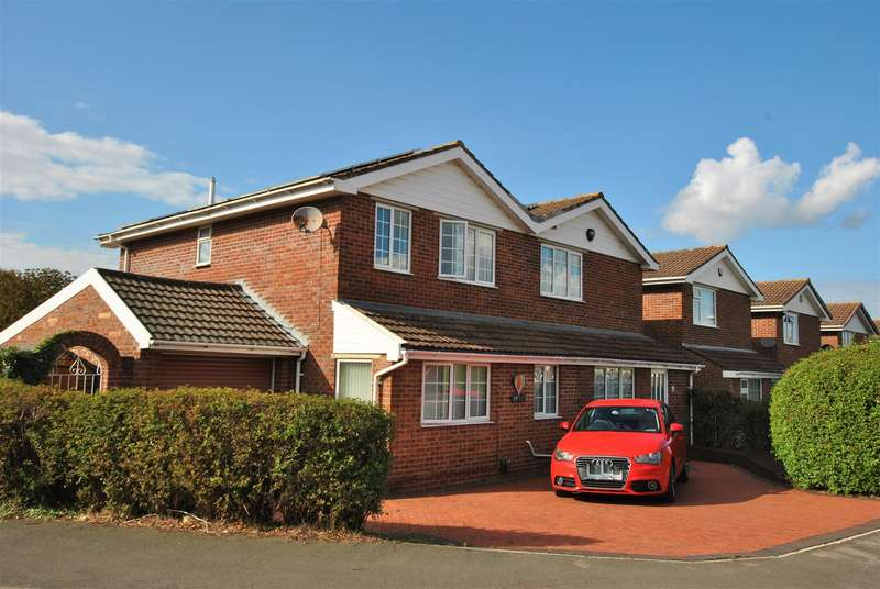 4 Bedrooms Detached House for sale in Dakota Drive, Whitchurch