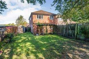 1 Bedroom Flat for sale in Kent House, Park Cottages, Hawkhurst, Kent