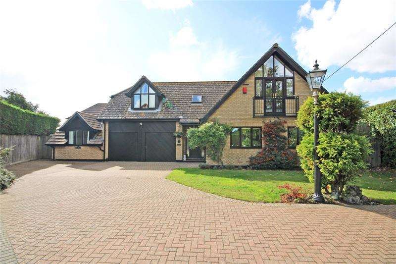 4 Bedrooms Detached House for sale in Cedar Gardens, New Milton, BH25