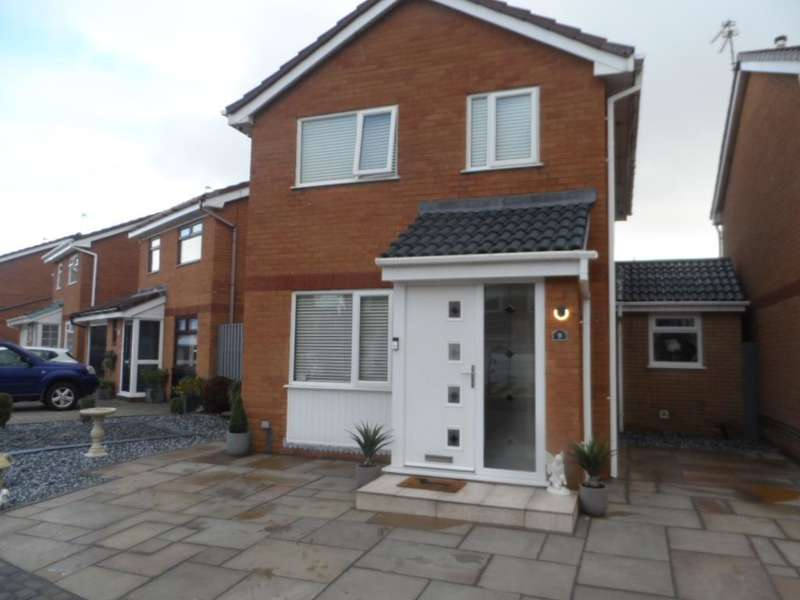 3 Bedrooms Detached House for sale in Fieldfare Close, Thornton, FY5 2BZ