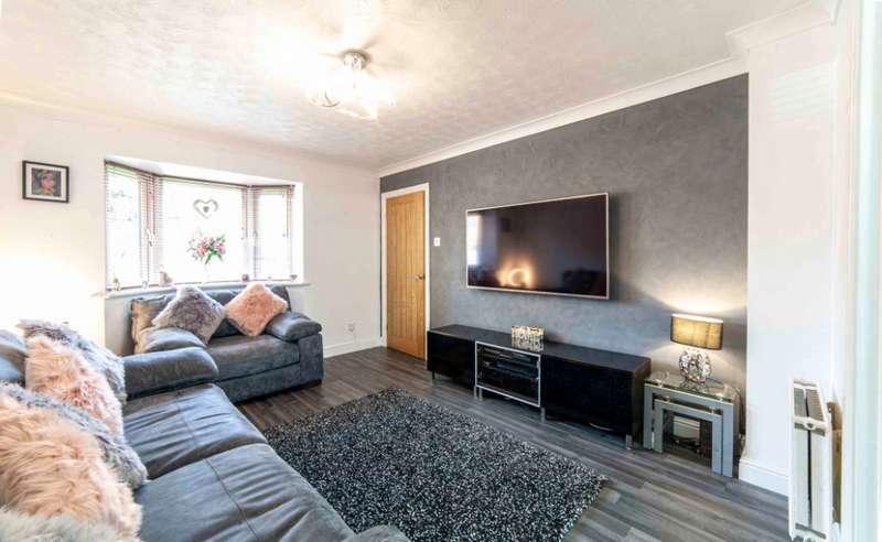 3 Bedrooms Detached House for sale in Sorrel Way, , Oldham, OL4 2QW