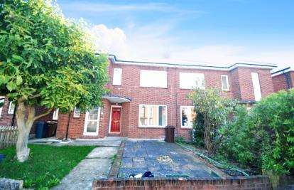 3 Bedrooms Maisonette Flat for sale in Chelmsford, Essex