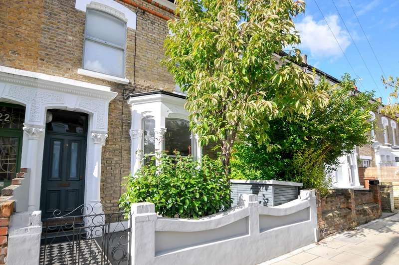 4 Bedrooms Terraced House for sale in Chesholm Road, London, N16