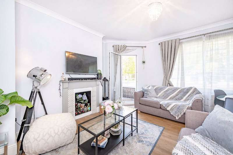 2 Bedrooms Flat for sale in Dalton House, Balham Hill, Balham