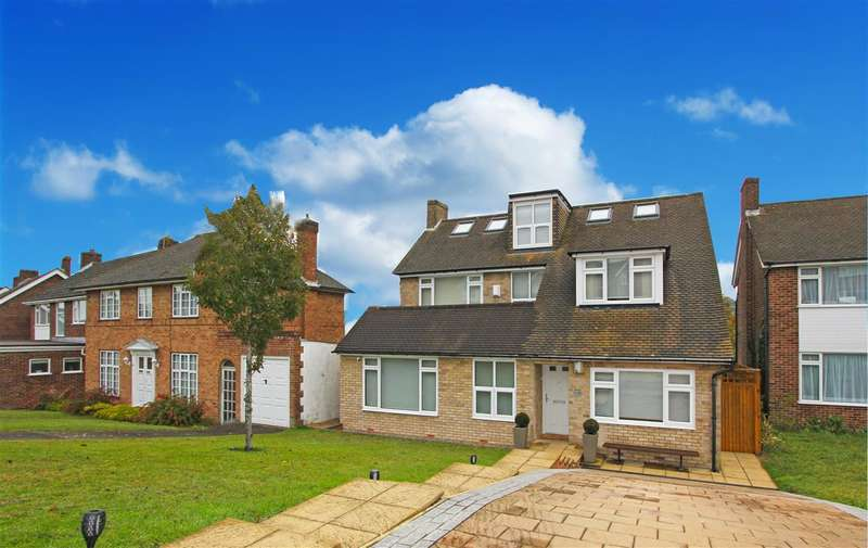 5 Bedrooms Detached House for sale in Ellenbridge Way, Sanderstead