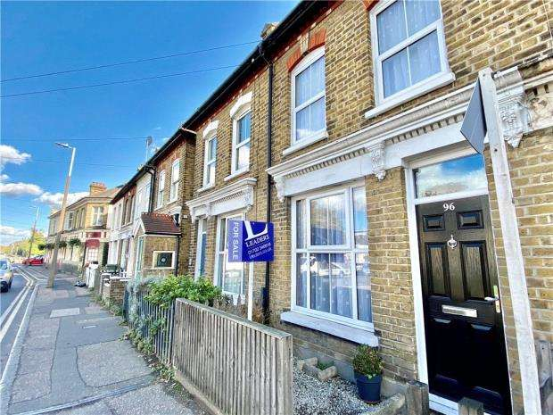 2 Bedrooms Terraced House for sale in East Street, Southend-on-Sea, Essex