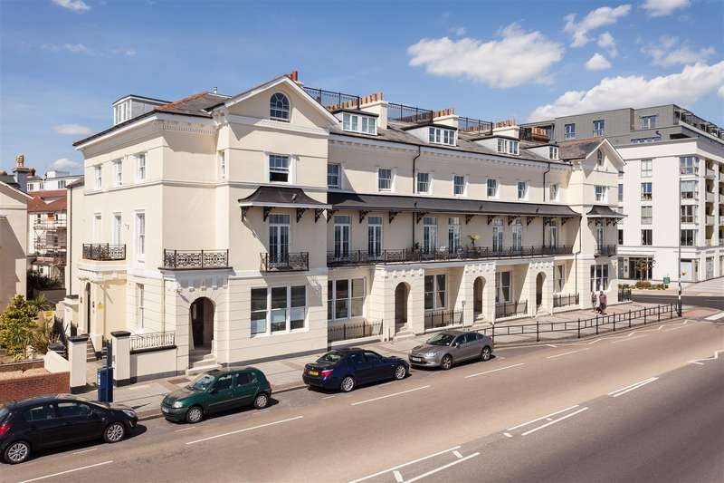 2 Bedrooms Flat for sale in South Parade, Southsea