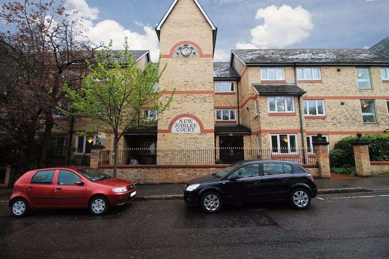 1 Bedroom Property for sale in New Jubilee Court, Woodford Green, IG8 9JU