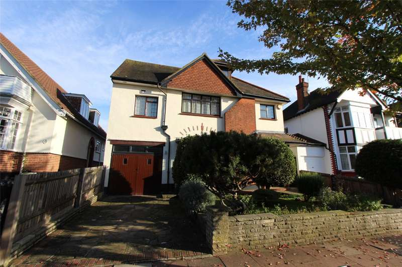 5 Bedrooms Detached House for sale in Parkside, Westcliff-on-Sea, Essex, SS0