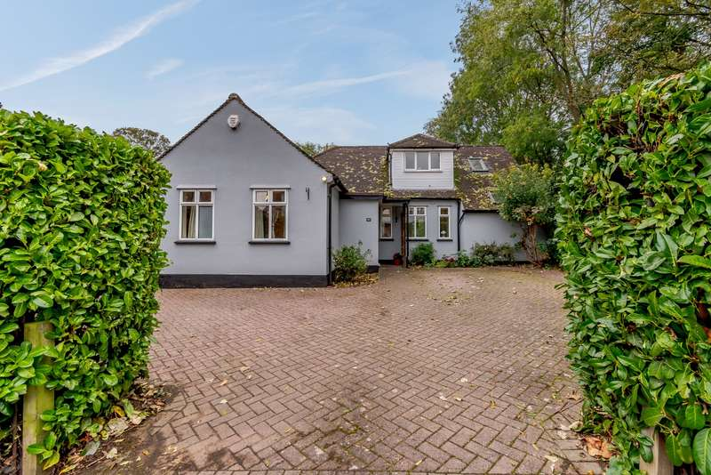 4 Bedrooms Detached House for sale in Field Way, Rickmansworth, WD3