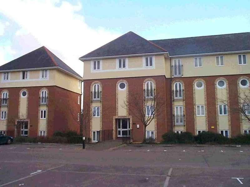 Apartment Flat for rent in Walsingham Close, Hatfield, AL10