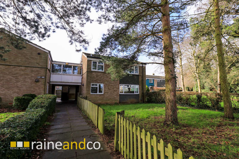 1 Bedroom Ground Flat for sale in Vardon Road, Stevenage, SG1