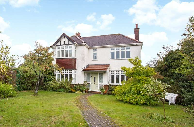 5 Bedrooms Detached House for sale in Tippendell Lane, St. Albans, Hertfordshire, AL2