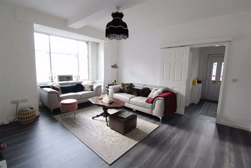 2 Bedrooms Flat for sale in Audenshaw Road, Audenshaw, Manchester