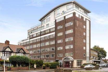 2 Bedrooms Flat for sale in Croydon Road, Beckenham