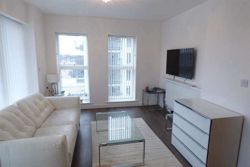 1 Bedroom Flat for sale in Darbyshire House , Clovelly Place, Greenhithe, DA9 9UY