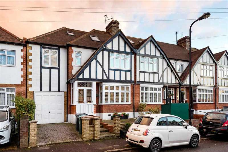 5 Bedrooms Semi Detached House for sale in Frinton Drive, Woodford Green, Essex, IG8
