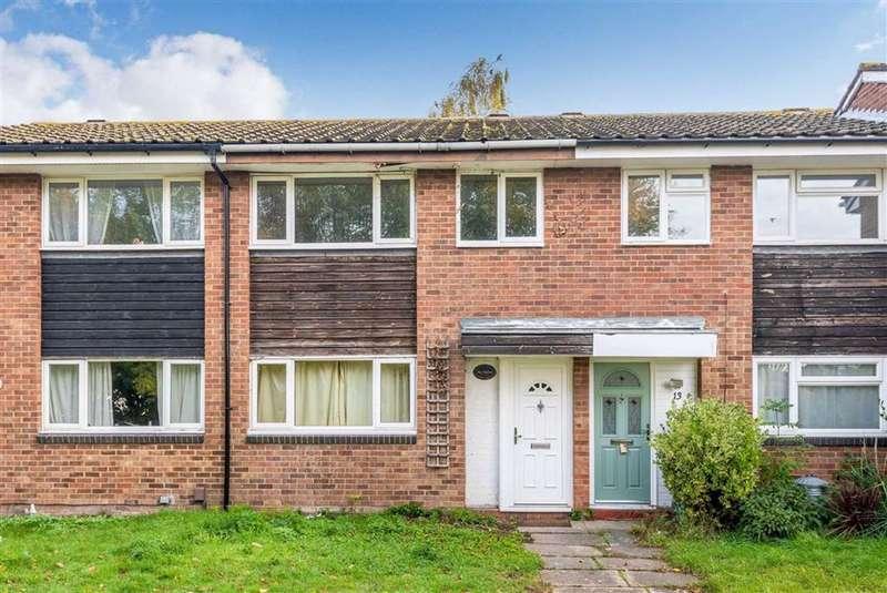 3 Bedrooms Semi Detached House for sale in Zelah Road, Orpington, Kent