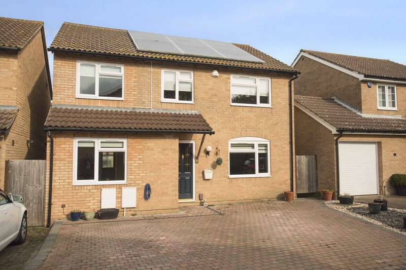4 Bedrooms Detached House for sale in Wopsle Close, Rochester