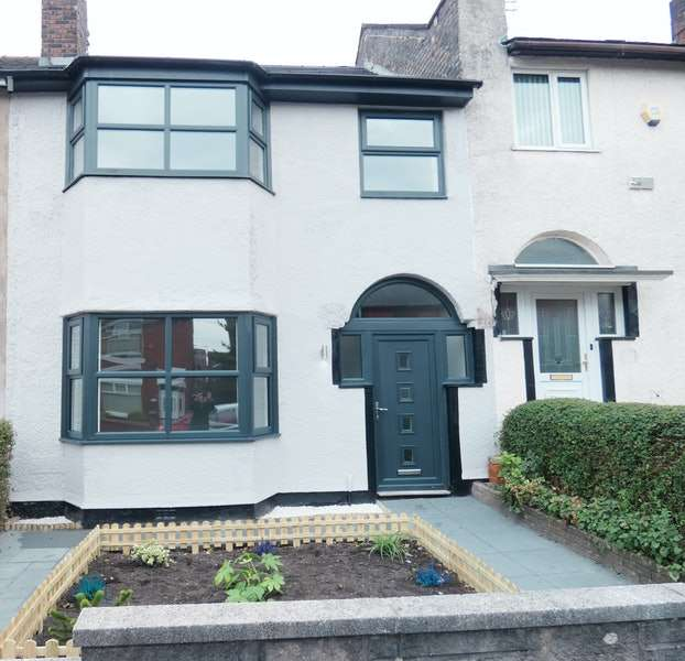 3 Bedrooms Terraced House for sale in Middleton Road, Oldham, Greater Manchester, OL9